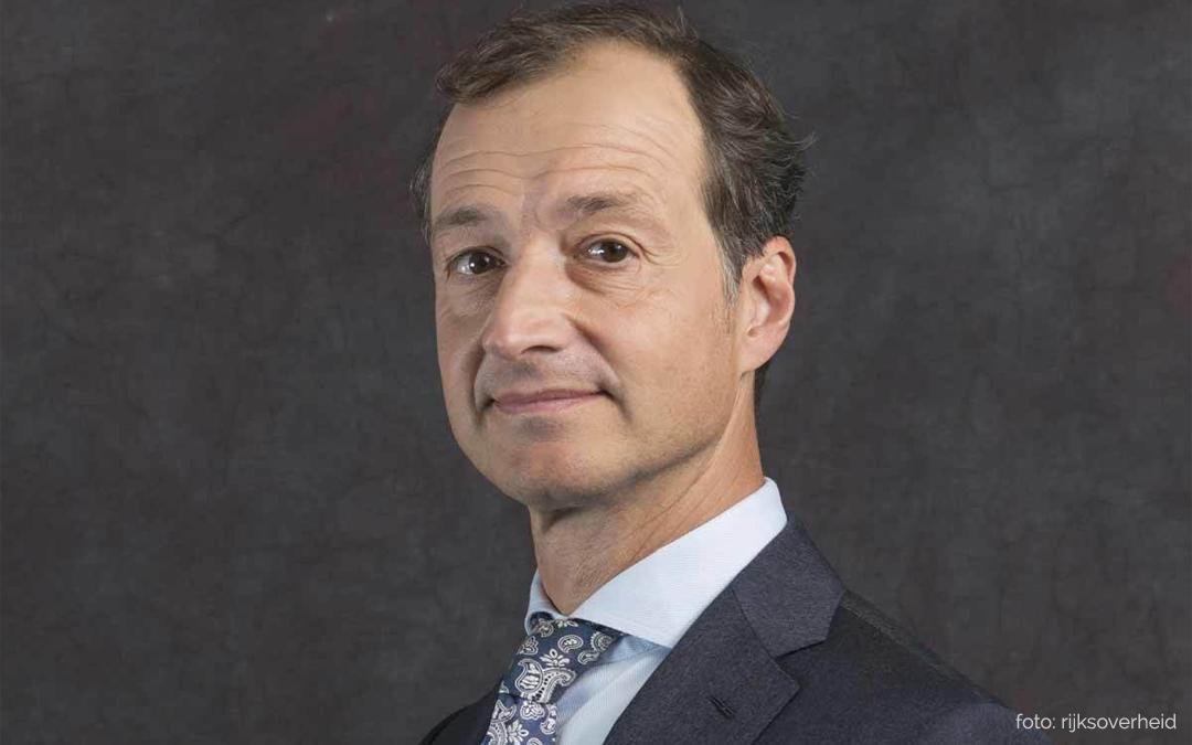Minister Wiebes: zonnepanelen blijven rendabel, duidelijkheid over terugleversubsidie voor zomer 2018